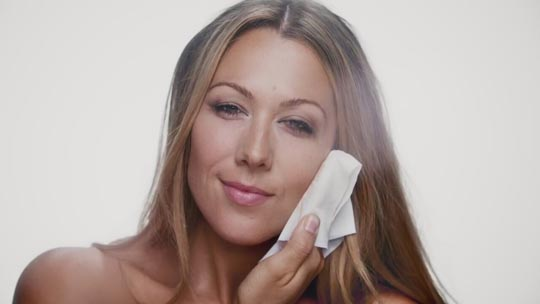 Colbie Caillat's new video embraces Natural Beauty